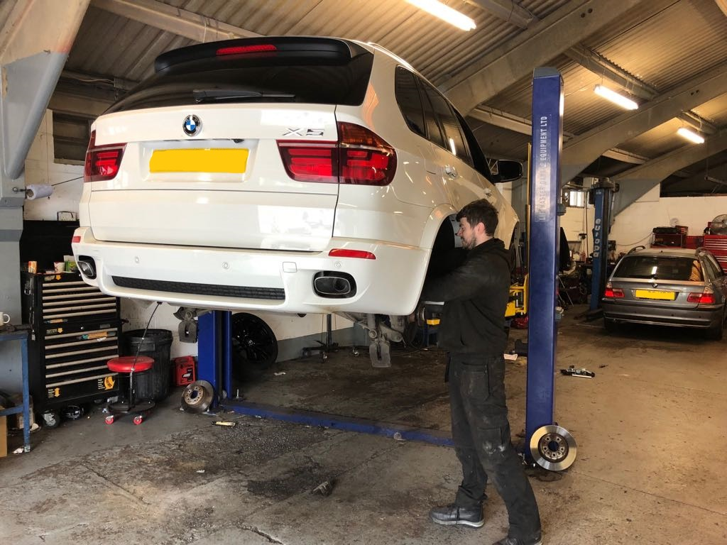 BMW And Mini Vehicle Recovery Garage Kent